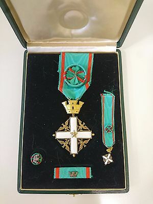 Order of Merit of the Italian Republic, 4th Class / Officer Italian Medal