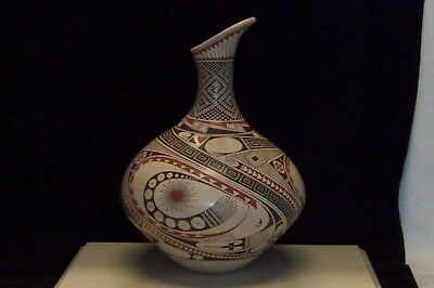 Magnificent Rare Mata Ortiz pottery Urn Signed by Hector Gallegos Senior
