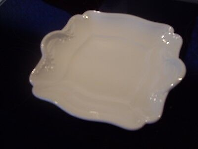 Wedgewood Queens Plain - Square Handled Cake Plate