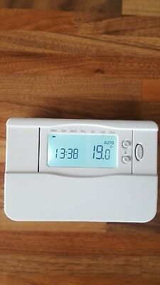 Center Brand/Honeywell Digital 7 Day Programmable Room Thermostat  EHE0200154
