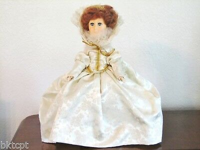 "Effanbee Doll  ""QUEEN ELIZABETH"" 12 Inch Women of the Ages Collection 1984 Box"