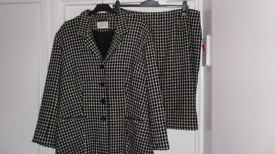 Smart Suit size 22 by Anne Harvey, Skirt and Jacket