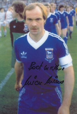 *REDUCED PRICE* HAND SIGNED 12x8 PHOTO IPSWICH TOWN 1981 MICK MILLS