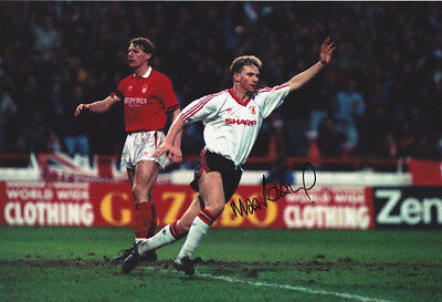 *REDUCED PRICE* HAND SIGNED 12x8 PHOTO MAN UNITED 1990 MARK ROBINS