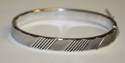 Vintage Signed Silver Tone Etched Pastelli Hinged Bangle Bracelet Safety Chain