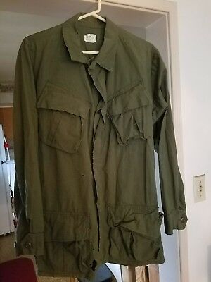 Vintage 1968 Combat Tropical Rip Stop Olive Green Army Shirt/coat Size Small