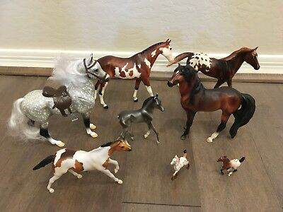 Lot of 8 Breyer horses mixed large and small