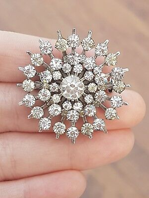 Vintage Jewellery Lovely Crafted Rhinestone Snowflake Silver Brooch Shawl Pin
