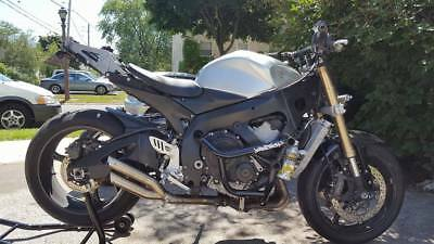 2006 Suzuki GSX-R  2006 Gsx-R600 Stripped down with extras