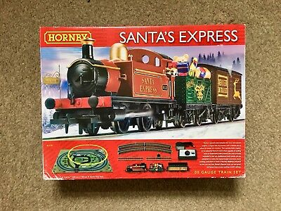Hornby Christmas Santa's Express 00 Gauge Train Set BRAND NEW