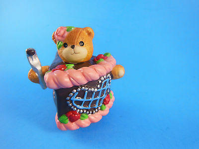Lucy & Me Enesco Piece of Cake Porcelain Figurine 1994