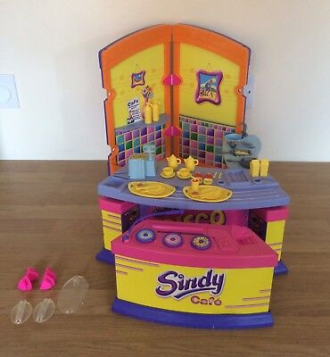 Vintage Sindy Cafe And Working Disco With Lots Of Accessories