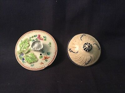 A good pair of 18th century lids, one Worcester, the other Pearlware c.1775