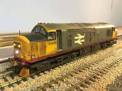 Bachmann Class 37 DCC fitted Railfreight red stripe weathered  00 guage