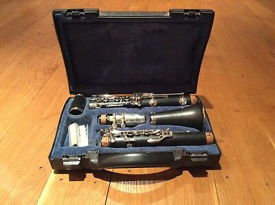 buffet b12 clarinet With Hard Case. Complete. Perfect For Xmas