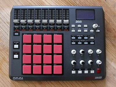 AKAI Professional MPD32 USB/MIDI control unit - Upgraded to MPC pads