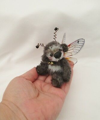 *little Whizz Bee*a Cute 4.3/4 Inch  Jointed Mohair Bumble Bee  Bear*
