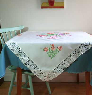 vintage 1940s embroidered floral linen & lace square tablecloth 104 x 100cms