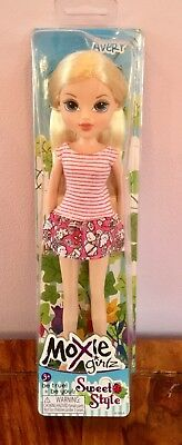 "Moxie Girlz Sweet School Style ""Avery"" Blonde Doll 'Be True Be You!"" New 3+ Yrs"