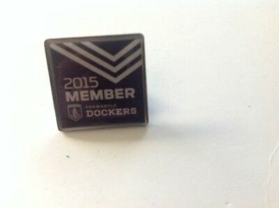 2015 Fremantle Dockers Member Badge - Collectable plus 2015 Fixture Magnet