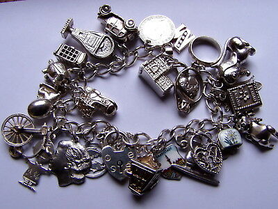 Ricchissimo Bracciale Inglese Vintage Argento 925 Con 25 Charms- Gr.60,7- 2 Nuvo