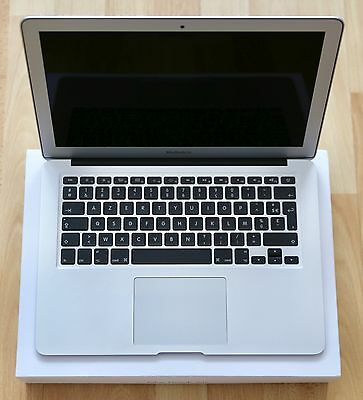 """Apple MacBook Air A1466 13.3"""" Core i5 1.6GHz 4GB 256GB SSD (Early 2015) AZERTY"""