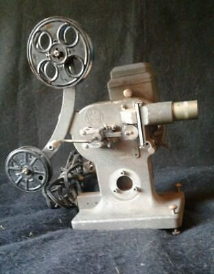 Vintage Devry Motion Picture Co Hand Crank Projector Antique Movie Serial # 6660