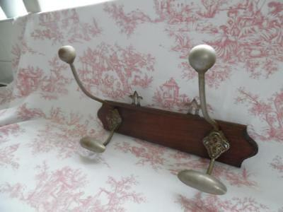 SUPERB ANTIQUE FRENCH PORTE MANTEAU COAT/ HAT HOOKS - Mounted on Oak