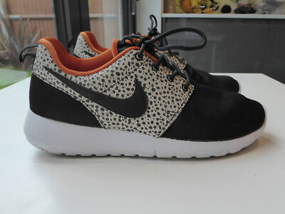 NIKE Monochrome Black White TRAINERS Runners Gym Size 5 Worn ONCE!! Dotty