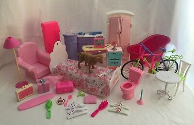 Barbie Furniture & Accessories 40 pc Pink Bicycle Bathtub Hotel Front Desk &More