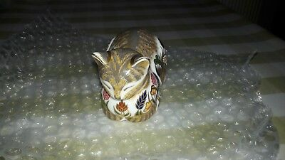 Royal Crown Derby Cottage Garden Cat with gold stopper
