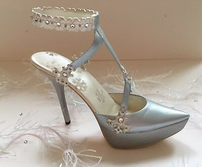 Just The Right Shoe - Snow Queen #25489, 4th Annual Holiday/Christmas Shoe RARE