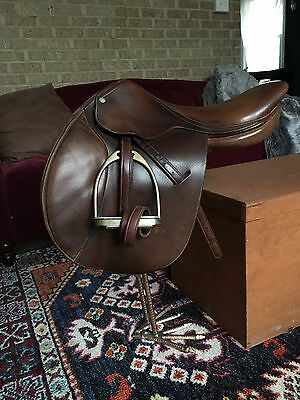 """17"""" Beval Butet Close Contact CC English Jumping Saddle package WITH FITTINGS!!"""