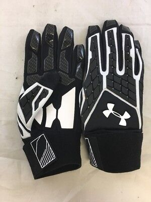 NWOT Under Armour Combat Flex Fit Football Gloves Black/White Men's Sz:XL (sb)