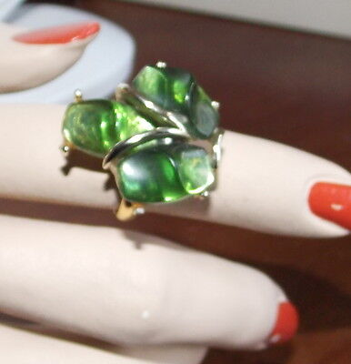 Huge Vintage Christmas Emerald Green Molded Lucite Plastic 3 Stone Gold Ring