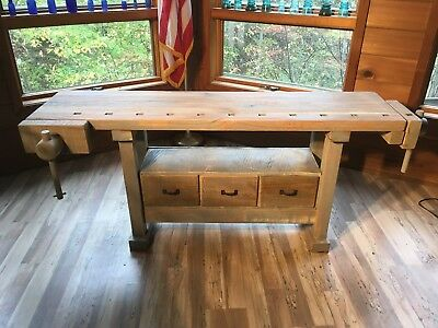 Vintage Carpenter / Cabinetmaker Workbench Great Faded Gray Patina