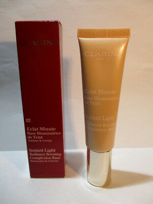 Clarins Instant Light Radiance Boosting Complexion Base ,02 Champagne 30ml