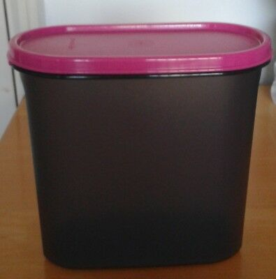 Tupperware Modular Mate Oval - 6 Cup - Free Fedex Shipping