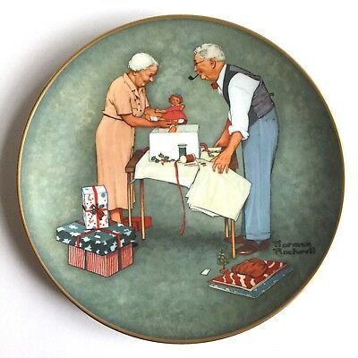 Vintage WRAPPING CHRISTMAS PRESENTS Norman Rockwell Collector Plate 1979