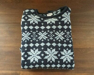 A Pea in the Pod Maternity Sweater snowflake fair isle by Mimi Maternity size M