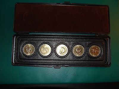 Russia Bi Metal 5 Coins Set  50 Rubles Red Book In Special Edition Case 1993