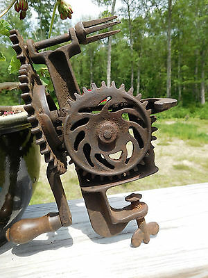 1866 American Primitive ~The Union~Dh Whittemore~Mechanical Castiron Apple Parer