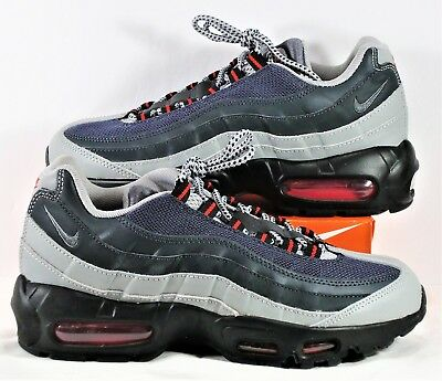 NEW MENS NIKE Air Max 95 Essential 749766 006 sz 6 sneakers