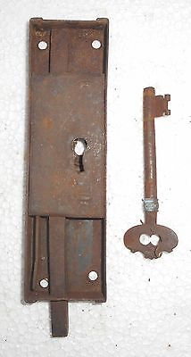 Vintage Big Iron Door Lock & Key Collectible from India Bt158