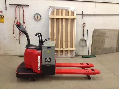 2006 Raymond Forklift Electric Ride On Pallet Jack