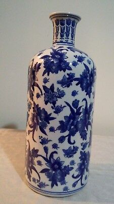 Chinese Porcelain Blue and White with Beautiful Floral Design Tall  Vase