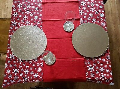 Christmas Glitter Shimmer Metallic Snowflake Red and Gold Table Linen Set for 4