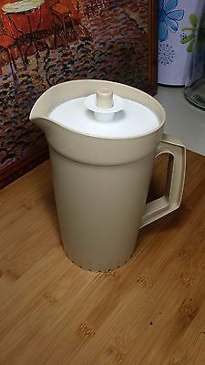 Vintage - RETRO Tupperware Jug