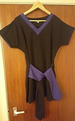 Therapist's Tunic, La Beeby, size 14-16 , looks brand new only worn once