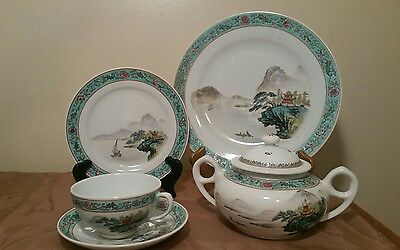 Vintage Chinese Jingdezhen Famille Rose Porcelain Hand Painted 19 Pieces Tea Set